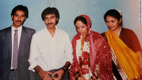 Alisha Haridasani's parents on their wedding day in 1987.