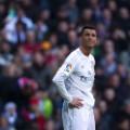Ronaldo hands on hips