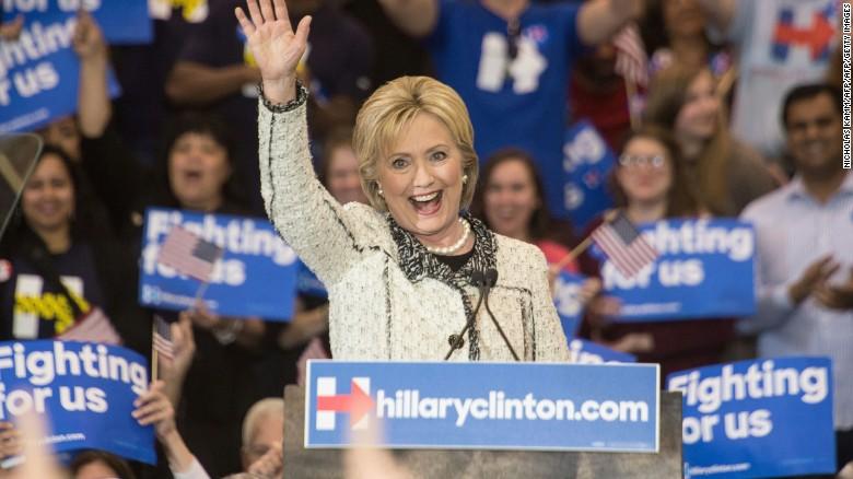 Top Democrats just shy of endorsing Clinton