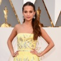 oscars red carpet 2016 Alicia Vikander