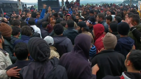 Migrants scuffle on Greece-Macedonia border on February 29, 2016
