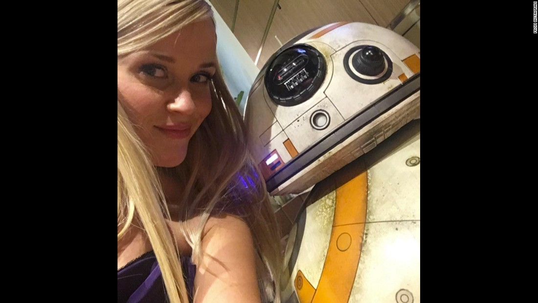 "Actress Reese Witherspoon poses with ""Star Wars"" droid BB-8 at the Oscars on Sunday, February 28. ""Making friends backstage,"" <a href=""https://www.instagram.com/p/BCW2wjbihZZ/"" target=""_blank"">she said on Instagram.</a>"