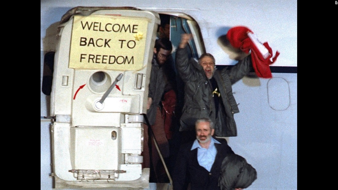 "<strong>U.S. hostages are released:</strong> David Roeder -- pictured here waving -- was one of 52 Americans held hostage for 444 days at the U.S. Embassy in Tehran, Iran. The<a href=""http://www.cnn.com/2013/09/15/world/meast/iran-hostage-crisis-fast-facts/"" target=""_blank""> Iran hostage crisis</a> began in November 1979, when Iranian students stormed the embassy to demand the extradition of Shah Mohammed Reza Pahlavi from the United States. It ended with the release of captives on January 20, 1981."