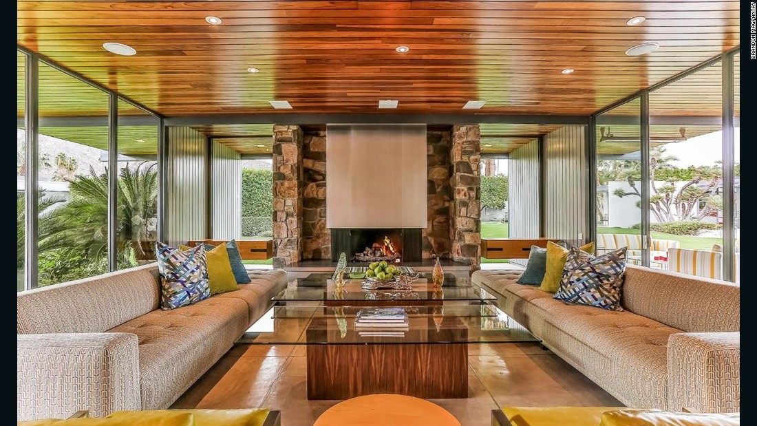 Leonardo DiCaprio has been renting out his 7,000 sq ft home in Palm Springs since 2014.