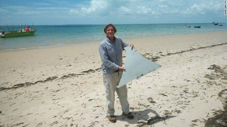 American tourist finds possible MH370 debris