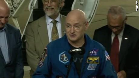 astronaut scott kelly houston bts_00002724