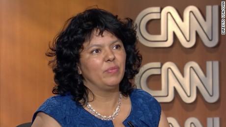 En español: Berta Cáceres recibe el premio Goldman