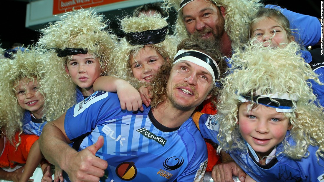 Cummins is something of a fans' favorite in Australia, where he played his XVs rugby for Western Force from 2008.
