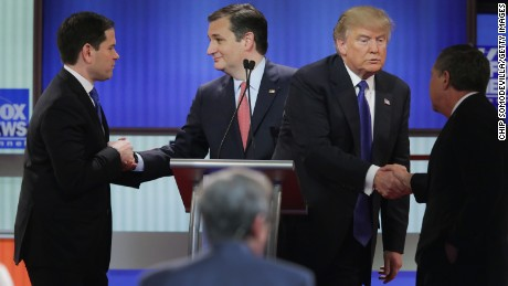 Size matters: GOP lowers bar at Fox debate