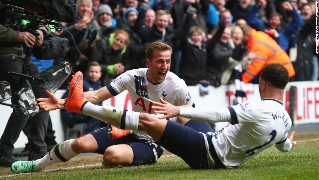 Within minutes, Spurs moved ahead. Toby Alderweireld equalized before Harry Kane provided the go-ahead goal for the home team.