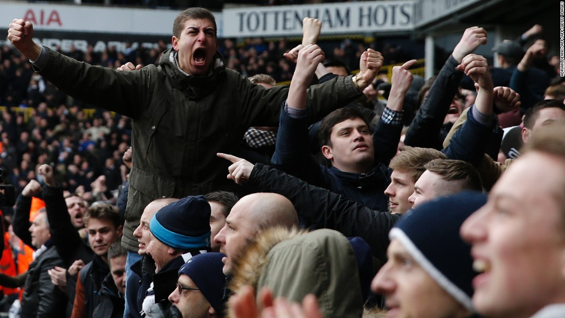 Spurs fans celebrate Kane's goal by goading Arsenal fans in attendance.