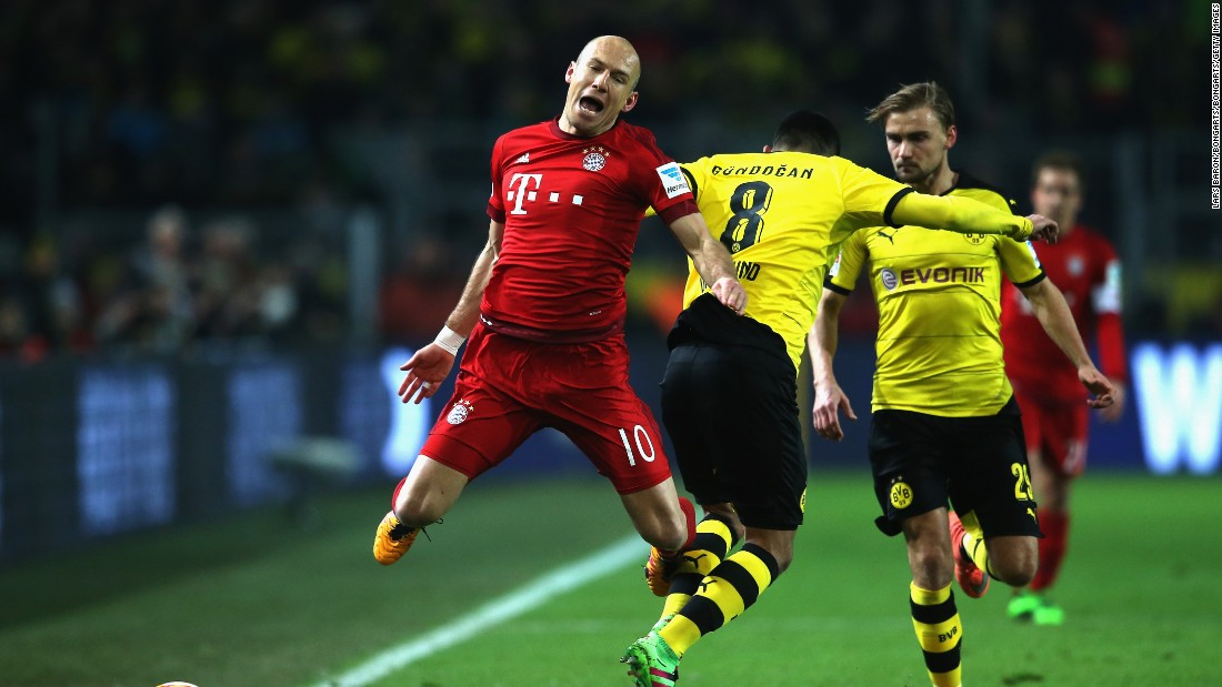 Bayern created the better chances with Arjen Robben (L) coming close for the German champion.