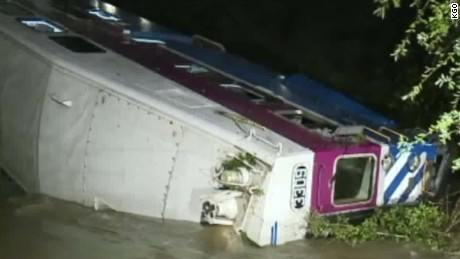 Train derailment california dnt_00000000