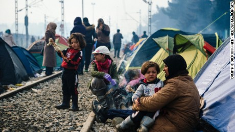 Greece clears refugees from makeshift camp