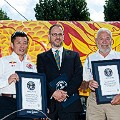 Guinness records Guo Chaun (China) and Sir Robin Knox Johnston (UK)