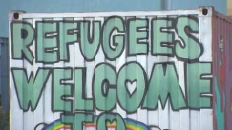 refugees stranded piraeus port greece pkg shubert _00020308