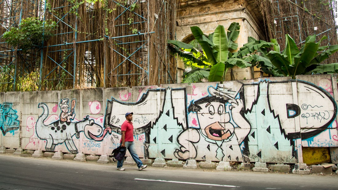 It's common to find abandoned construction sites around Havana, some overgrown with vegetation, giving each site a form and character of its own.