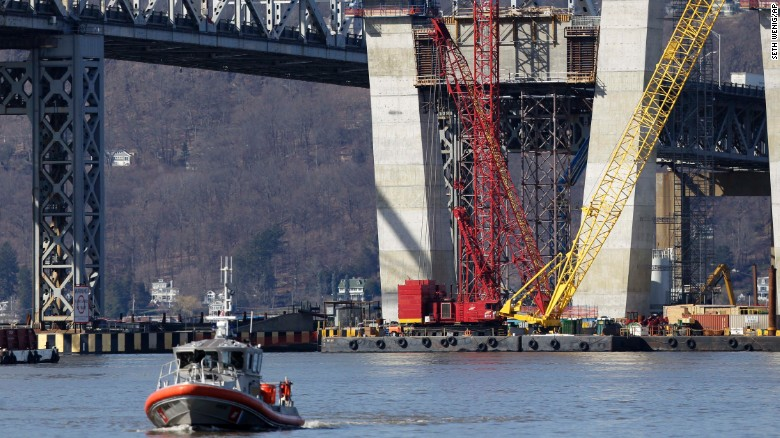 One dead, two missing after tugboat sinks
