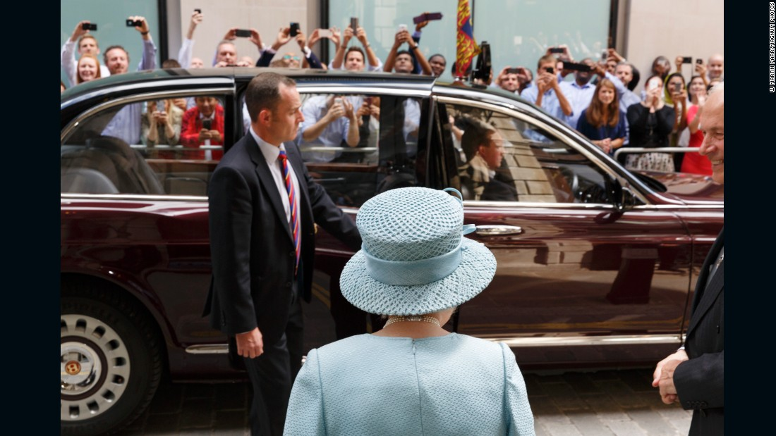 The Queen visiting the Drapers' Livery Hall, 2014