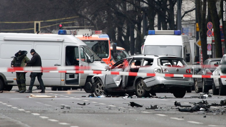 Car explodes in Berlin