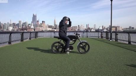 cnnee pkg samuel burke motocicletas bolt_00015528