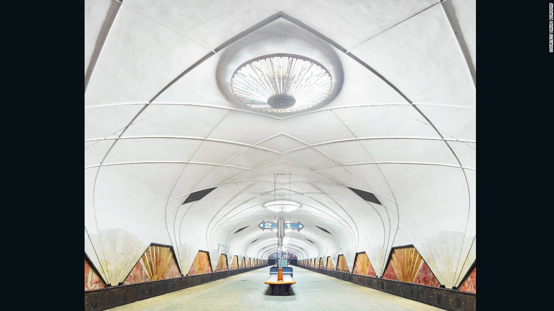 Aeroport station, which was inspired by aviation, is an example of Russian Art Deco architecture.