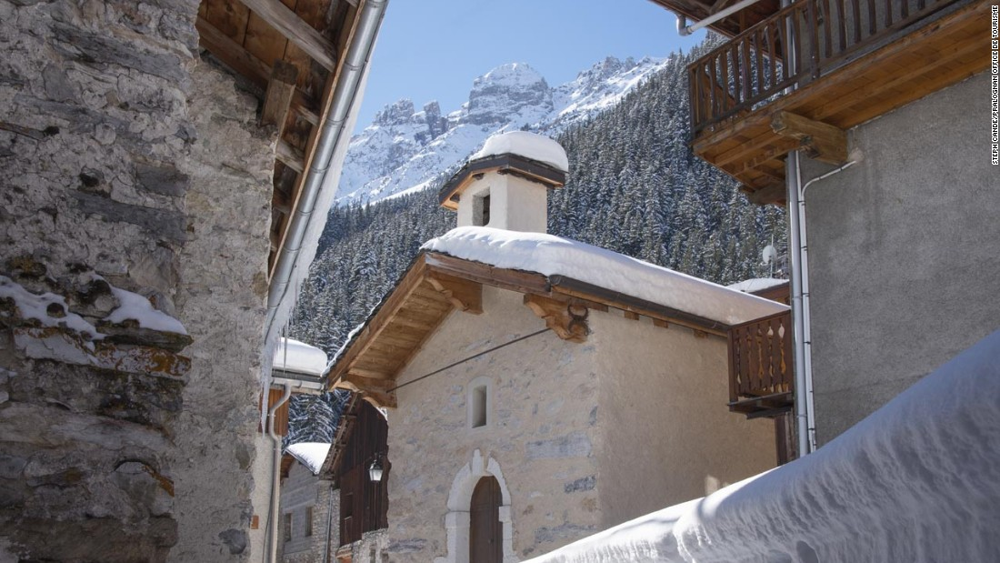 Hiding at the end of a steep-sided valley under the imposing 3,855-meter Grand Casse, pretty Pralognan is an authentic Savoie village at the heart of the Vanoise National Park.