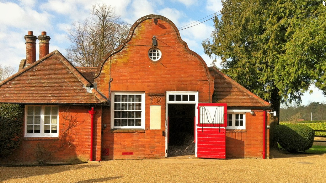 Leading British stallion, Pivotal is housed in this grand stable which is attached to his groom's accommodation. It was once the home of legendary Isinglass -- a 19th century thoroughbred who won 11 of his 12 starts in a race career lasting from 1892-1895.