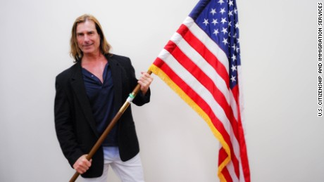 Italian-born romance novel cover model Fabio became a U.S. citizen on Wednesday.