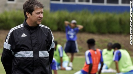 "The coach of the Guatemalan national team, Colombian Hernan Dario ""El Bolillo"" Gomez, looks at his players during a training session in Guatemala City, on October 9th, 2007. Guatemala will face Mexico on October 17th in a friendly match in Los Angeles, US.  AFP PHOTO/Orlando SIERRA (Photo credit should read ORLANDO SIERRA/AFP/Getty Images)"