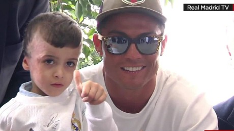 palestinian boy meets real madrid players Liebermann PKG_00000116