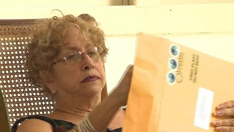 Cuban woman receives letter from Obama