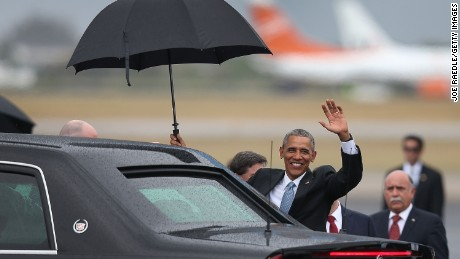 HAVANA, CUBA - MARCH 20:  President Barack Obama waves as he arrives at Jose Marti International Airport on Air Force One for a 48-hour visit on March 20, 2016 in Havana, Cuba. Mr. Obama's visit is the first in nearly 90 years for a sitting president, the last one being Calvin Coolidge.  (Photo by Joe Raedle/Getty Images)