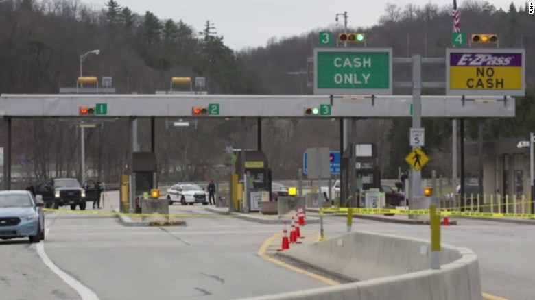 Pennsylvania retired trooper kills 2 turnpike toll booth pkg_00012130