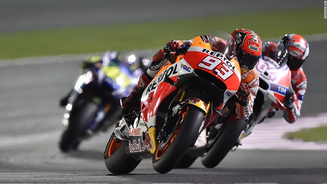 Ducati's Andrea Iannone led early on, but crashed out on the sixth lap. It was his teammate Dovizioso who eventually claimed a podium spot.
