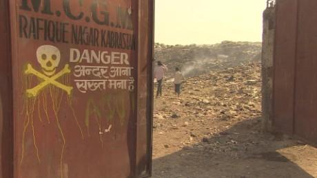 cnnee pkg mallika kapur mumbai india problemas con la basura _00001803