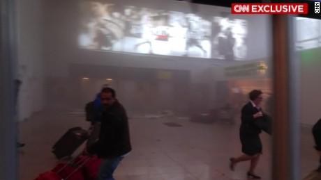 cnnee vo segunda explosion en aeropuerto de belgica terror_00000308