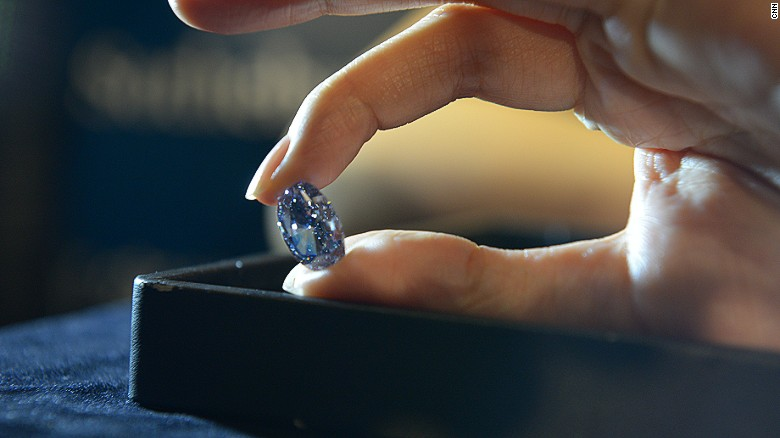 Rare blue diamond smashes Asia auction records