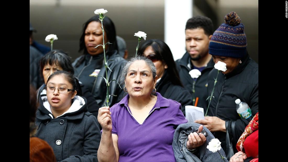 Teresa Mancheno, a maintenance worker at Newark Liberty International Airport, attends a vigil in Newark, New Jersey, on March 23.