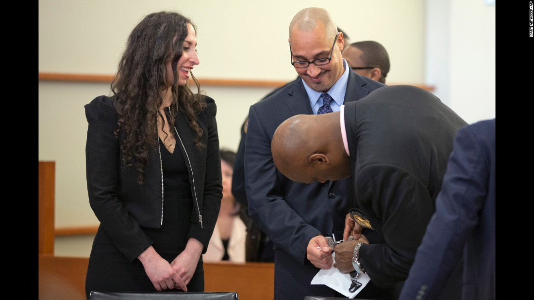 "Richard Rosario has his handcuffs removed in a New York court after his murder conviction was overturned on Wednesday, March 23. Rosario, 40, <a href=""http://www.nydailynews.com/new-york/bronx/man-swears-innocence-bx-slay-freed-20-years-article-1.2575087"" target=""_blank"">spent 20 years in prison</a> for a crime he said he did not commit. A judge freed him while prosecutors re-investigate his case."