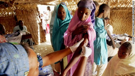Vaccinations underway as meningitis kills hundreds in Nigeria