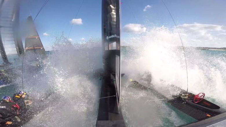 oracle team sailing splashdown orig_00000703.jpg