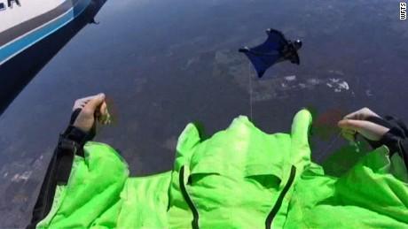 Skydivers midair collision pkg _00000000