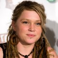 06 White people with dreadlocks