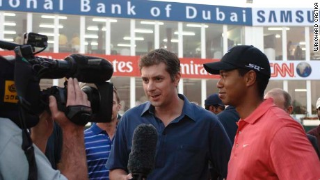 Don Riddell interviews Tiger Woods in Dubai in 2006.