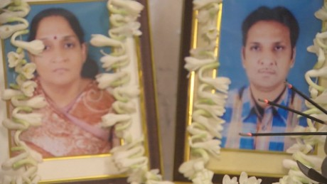 India Kolkata Collapse Mourning family udas pkg_00004701.jpg