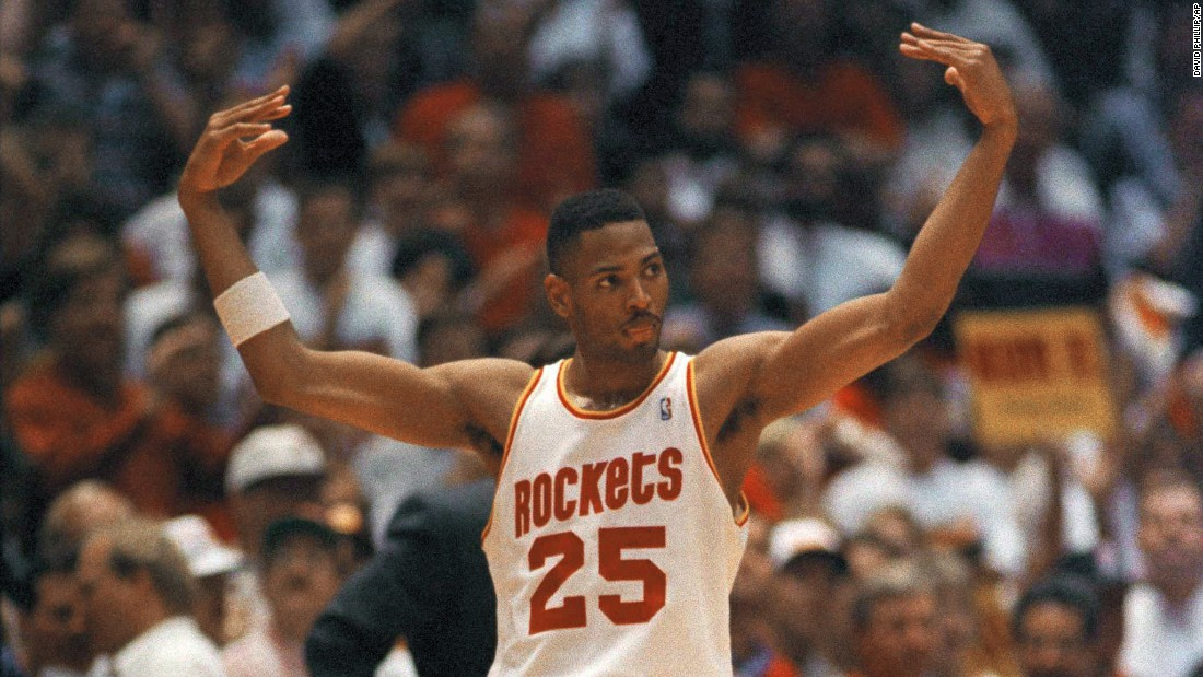 "<strong>Most steals in an NBA Finals game: </strong>They called him ""Big Shot Bob"" for his clutch shooting, but Robert Horry was a fierce defender as well. Horry had a record seven steals in Game 2 of the 1995 NBA Finals. Horry won seven titles during his career: two with the Houston Rockets, three with the Los Angeles Lakers and two with the San Antonio Spurs. Only one other player -- John Salley -- has won NBA titles with three different teams."