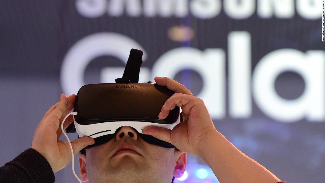 "Oculus VR has teamed with Samsung to develop a headset for use with Samsung smartphones, the <a href=""http://money.cnn.com/2015/11/20/technology/samsung-gear-vr/"">Gear VR</a>. At $99 it is a cheaper option that will work out of the box."