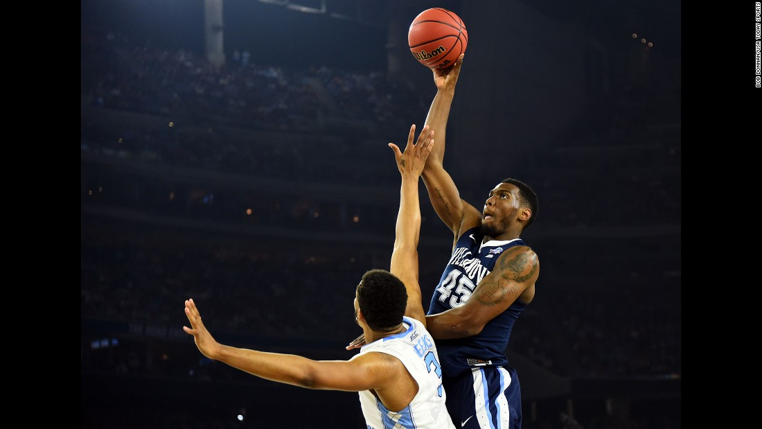 Villanova forward Darryl Reynolds goes high over Meeks.