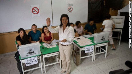 Peru´s presidential candidate, Keiko Fujimori, casts her vote during general elections, in Lima on April 10, 2016  Almost 23 million Peruvians in Peru and abroad are expected to decide whether Keiko Fujimori, daughter of an ex-president jailed for massacres, should become their first female head of state in an election marred by alleged vote-buying and guerrilla attacks that killed four. / AFP / ERNESTO BENAVIDES        (Photo credit should read ERNESTO BENAVIDES/AFP/Getty Images)